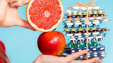 Schlankheitsmittel versus Obst © Voyagerix, Fotolia.com