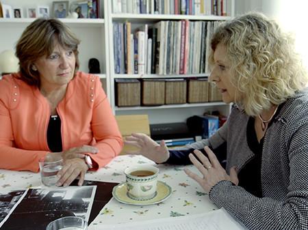 Brigitta Granegger mit ihrer AK Rechtsschützerin Karmen Riedl © Dominik Sinnreich, AK Wien