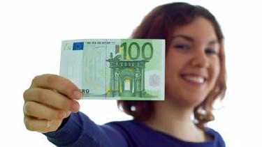 Mädchen mit Geld © Thomas Aumann, Fotolia.com
