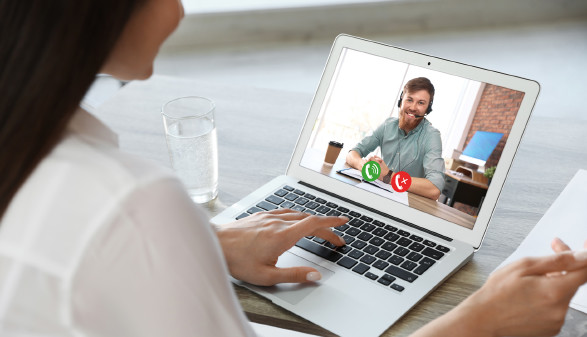 VideoChat © New Africa, stock.adobe.com