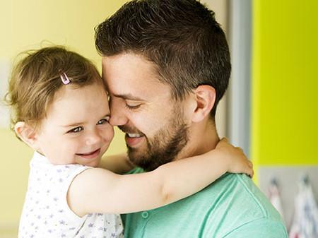 Vater mit Kind © Halfpoint, Fotolia
