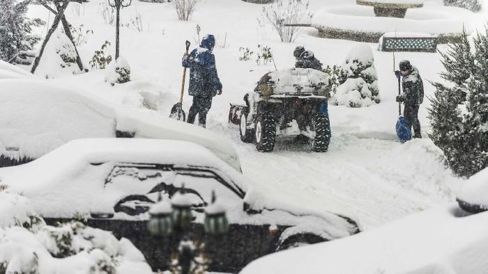 starker Schneefall verursacht Chaos ©  Игор Чусь, stock.adobe.com