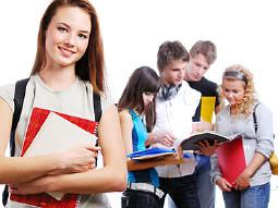 Gruppe junger Schüler © Valua Vitaly, Fotolia.com