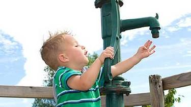 Portrait Schutz des Wassers vor Privatisierung © st-fotograf, fotolia.com