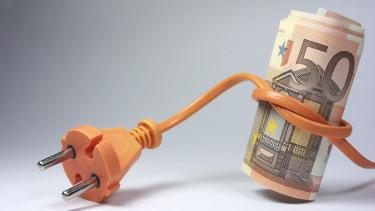Stromkabel mit 50-Euro-Schein © Oscar Espinosa , stock.adobe.com