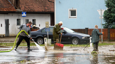 Hochwasser, aufräumen, Aufräumarbeiten, Schlamm © Schön, AK Stmk