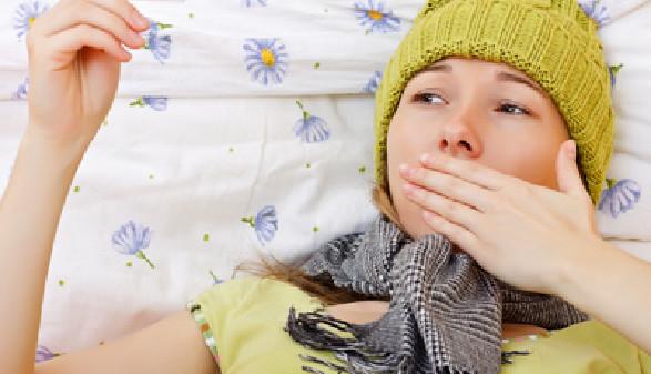 Krank, Fieber, Frau, Bett © Ocskay Bence, Fotolia.com